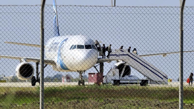 Egyptair hijacker may have personal motives