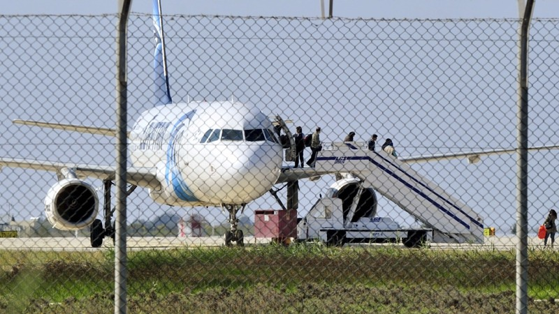Egyptair hijack ends, suspect surrenders