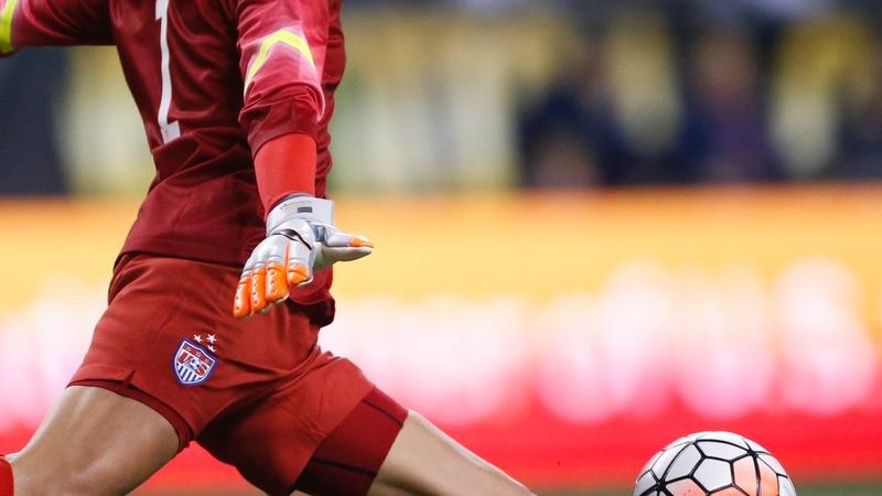 U.S. women soccer champs claim wage discrimination