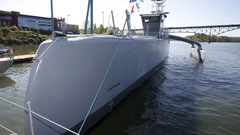 Navy debuts Sea Hunter robo-ship