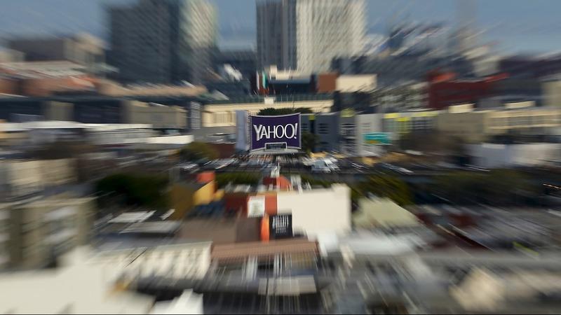 Old media vs new: Mail eyes Yahoo bid