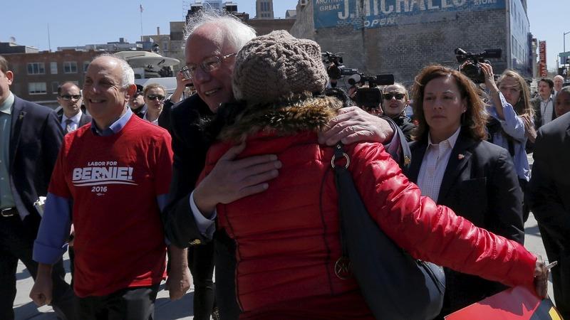 Sanders joins Verizon picket line