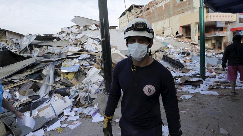 After Ecuador quake, nowhere to bury the dead