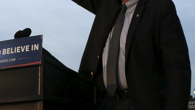Sanders slams Clinton ahead of New York primary
