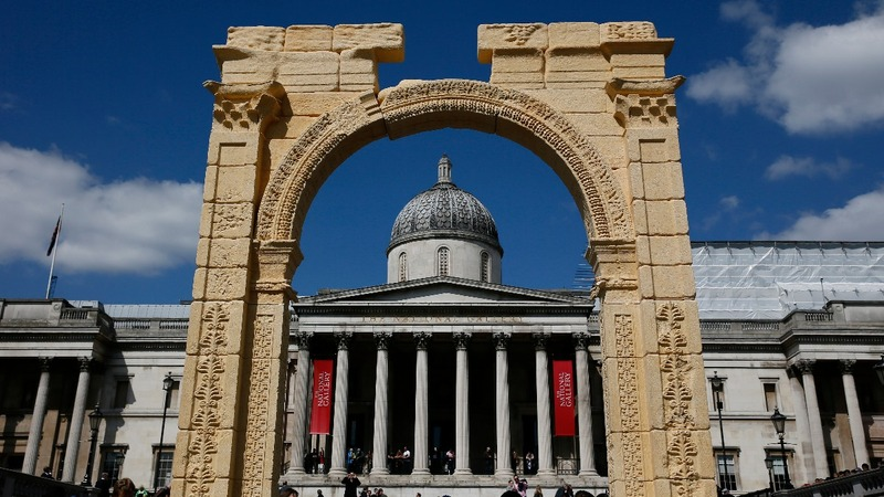 Palmyra replica arch unveiled in London