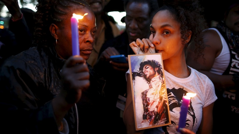 INSIGHT: Cities go purple for Prince