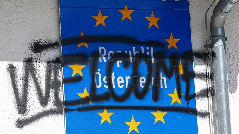 Austria plans fence to stop migrants