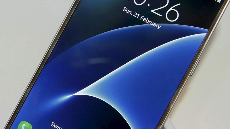 Samsung bucks trend with surge in Galaxy S7 sales