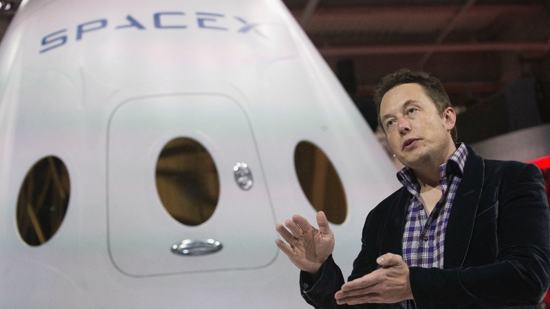 SpaceX snags first U.S. Air Force deal