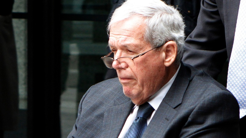 Hastert hush money suit can go forward: judge