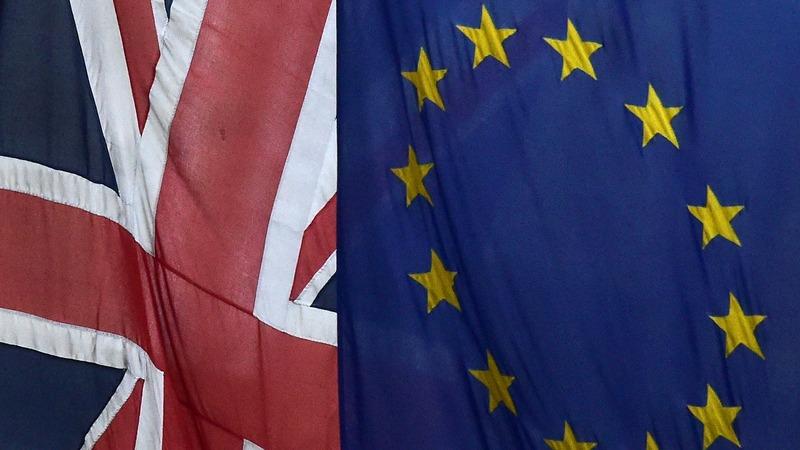 EU would insist on quick UK divorce - sources