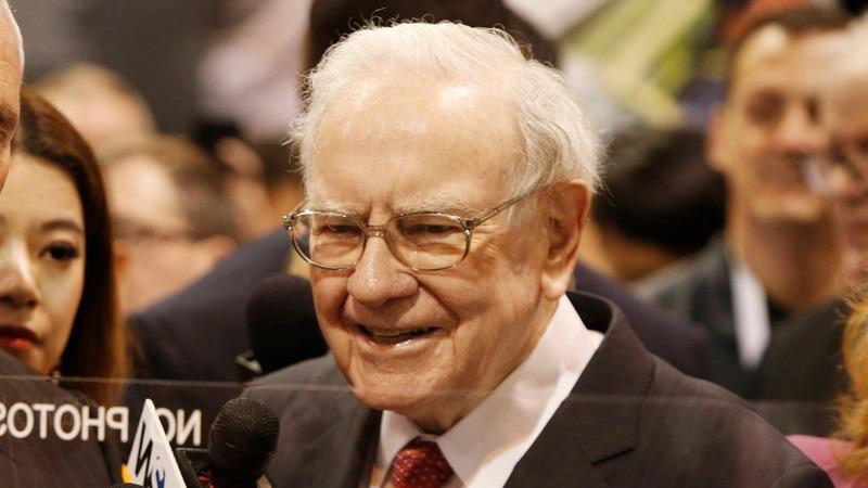 Buffett says Berkshire is Clinton/Trump-proof