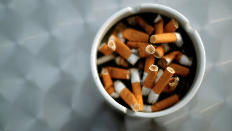 California raises smoking age to 21