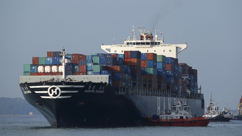 Shipping industry push to set carbon targets