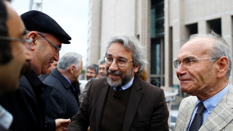 Gunman shoots at Turkish journalist
