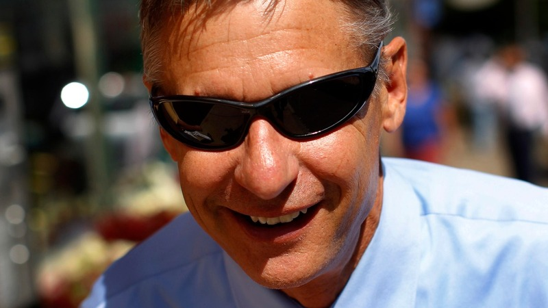 Gary Johnson bids to be Trump's spoiler