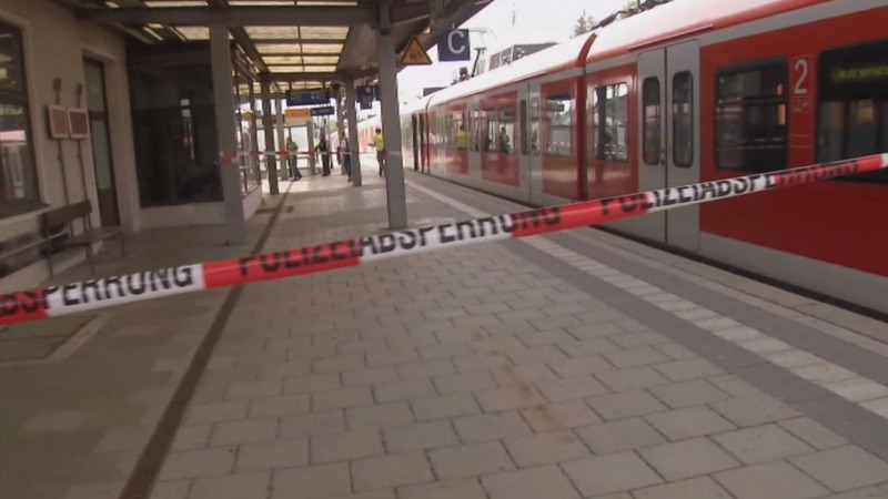 Man knifes Munich rail passengers, one dead