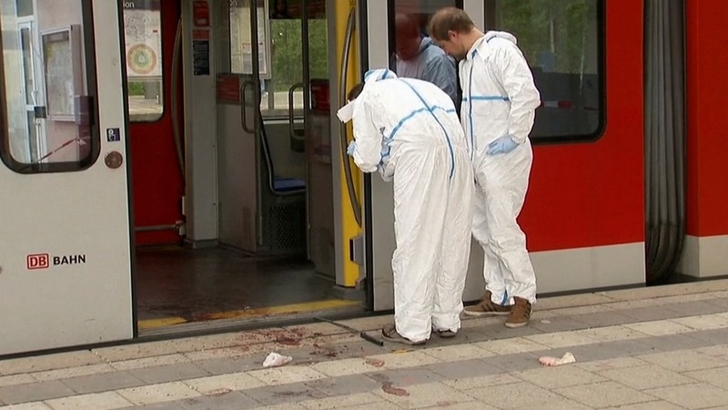 Knife attacker kills one at Munich station