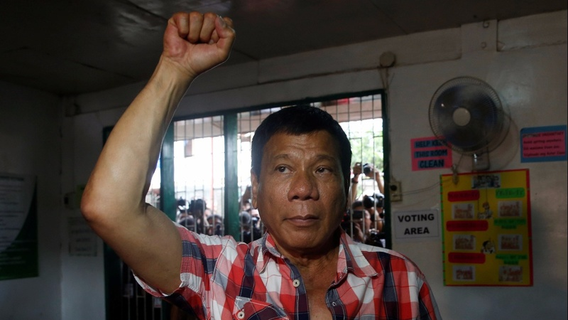U.S. sets aside Duterte human rights concerns
