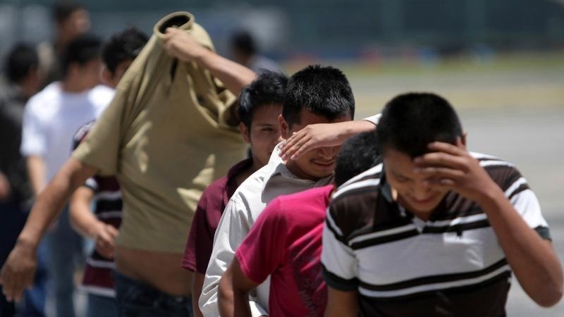 Obama orders deportation 'surge'