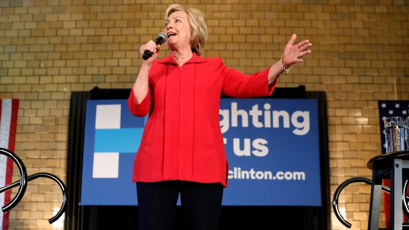 Clinton looks to snap losing streak in Kentucky