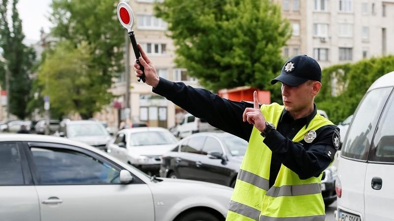 Police force struggles for change in Ukraine