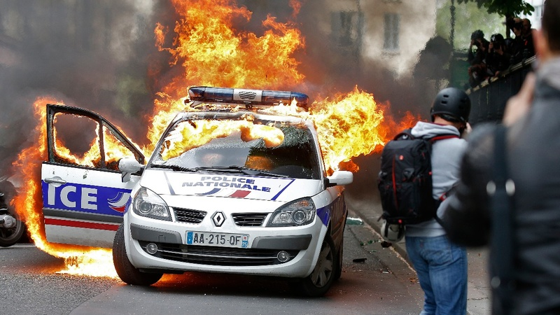 INSIGHT: Clashes at Paris police demo
