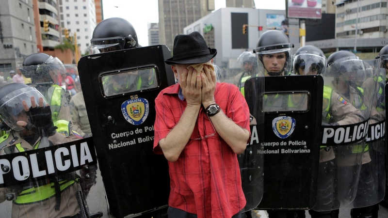 Police fight back against Venezuelan protestors