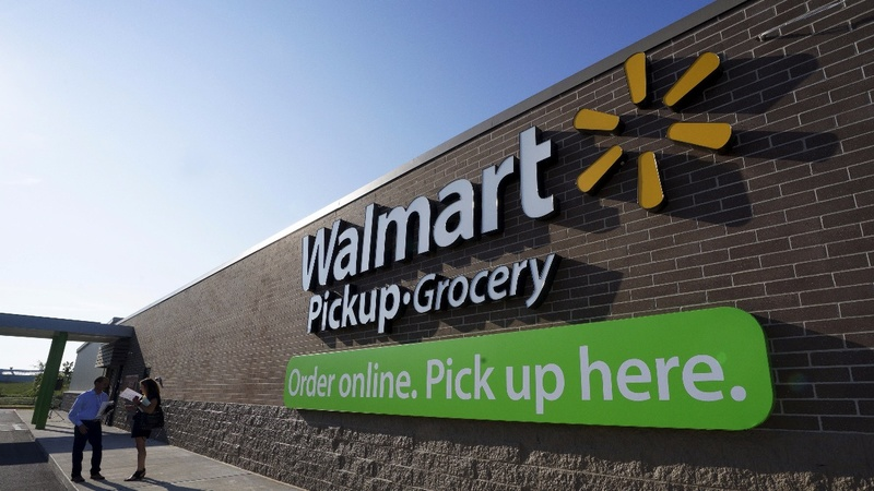 Wal-Mart reports robust sales; shares surge