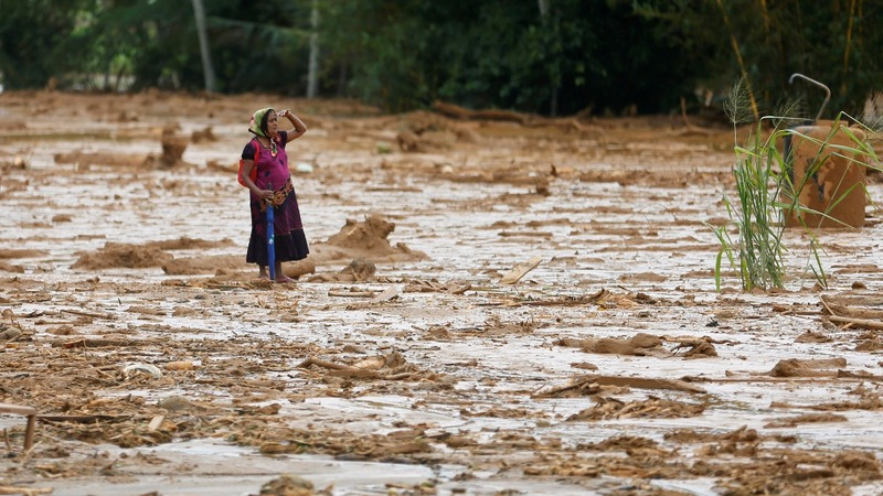 Hopes fade for Sri Lankan landslide survivors