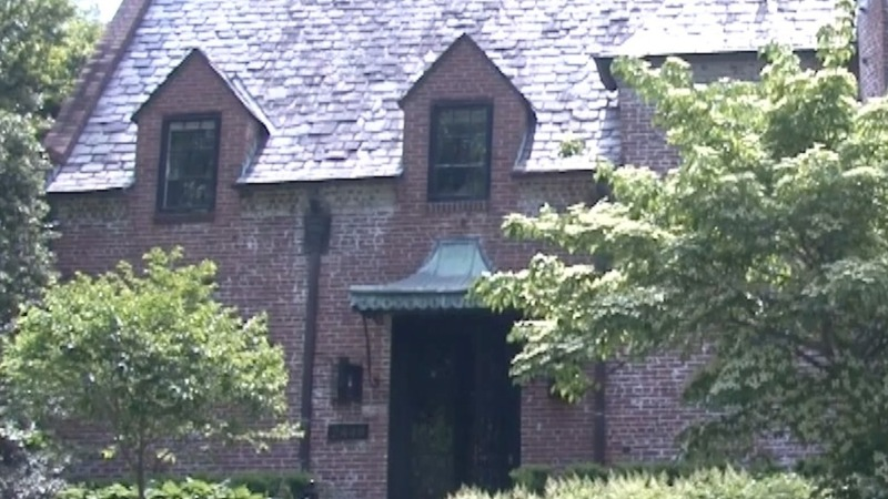 Obamas to move into $6M mansion