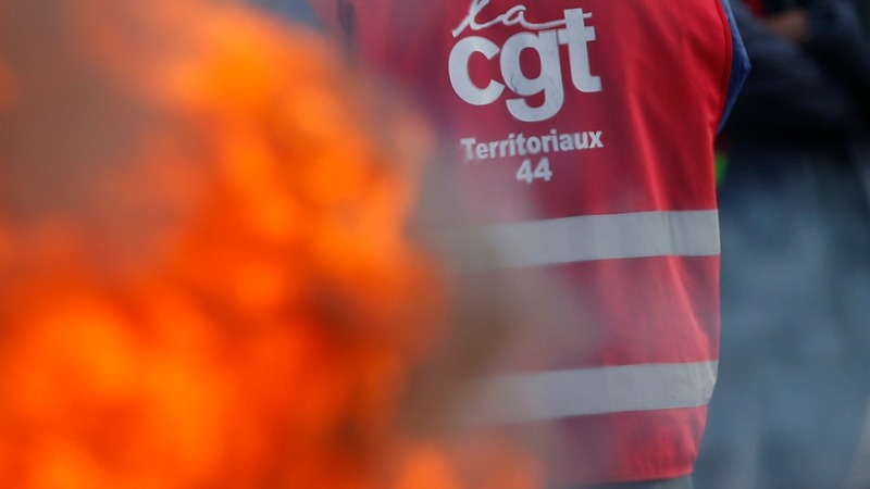 French police clash with anti-reform protesters