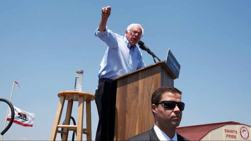 Sanders storms through Oakland in Calif. push