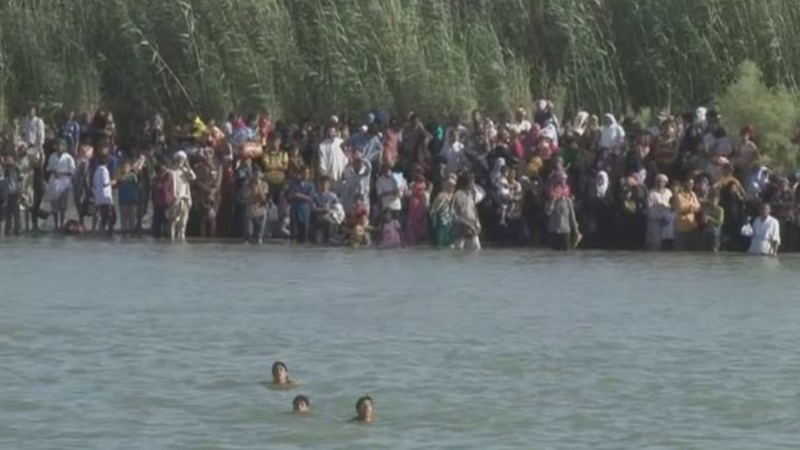 Falluja's civilians risk dangerous river escape