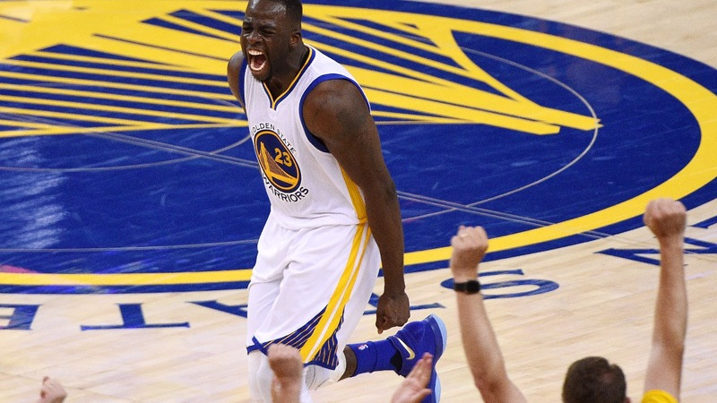 Warriors take commanding 2-0 lead with blowout