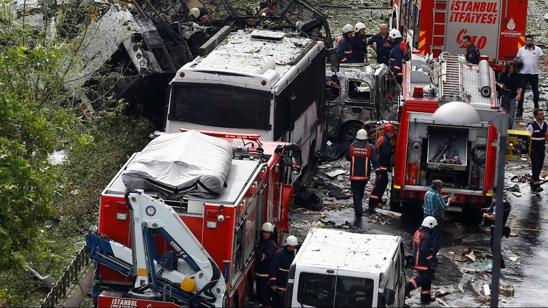 11 killed in Istanbul car bombing