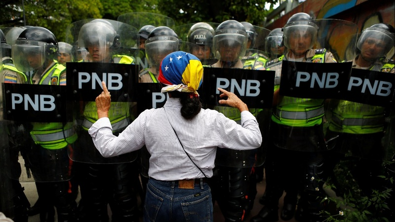 Anti-Maduro rally turns violent
