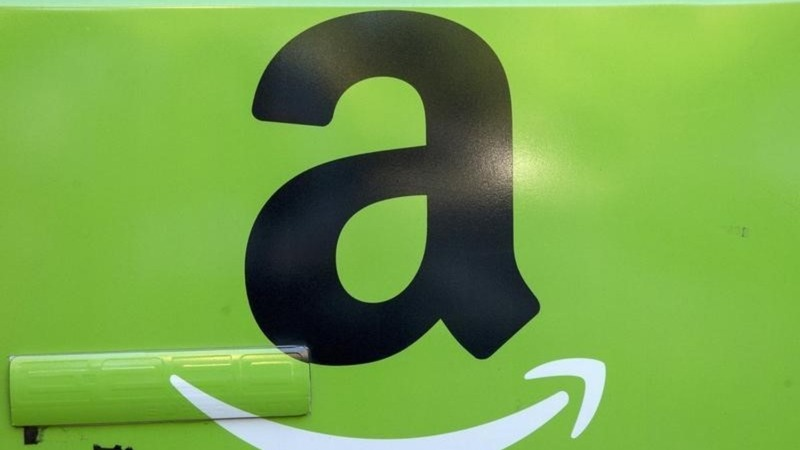 Amazon goes into battle with UK supermarkets