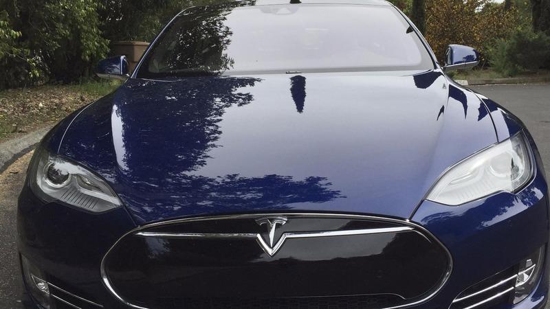 Regulators looking into Tesla Model S complaints