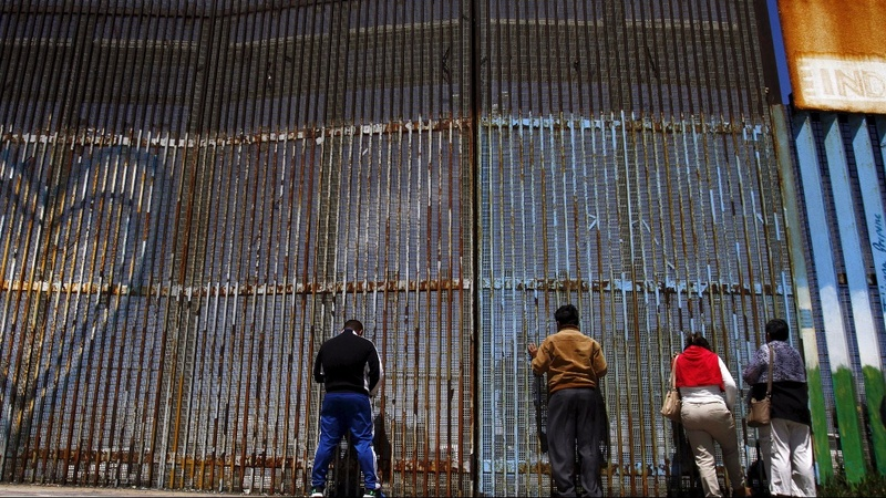 Mexico under pressure to stop migrant surge