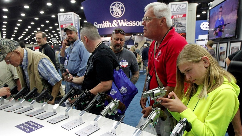U.S. gun shares shoot higher on earnings