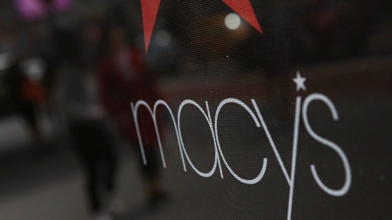 Macy's longtime CEO calls it quits