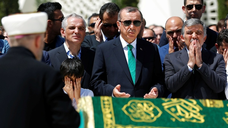 Turkey mends fences with Israel, Russia