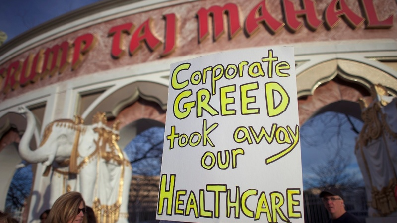Workers strike at Trump Taj Mahal