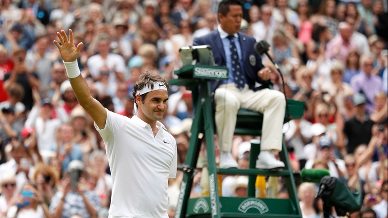 Federer and Kerber lead Wimbledon's last 16