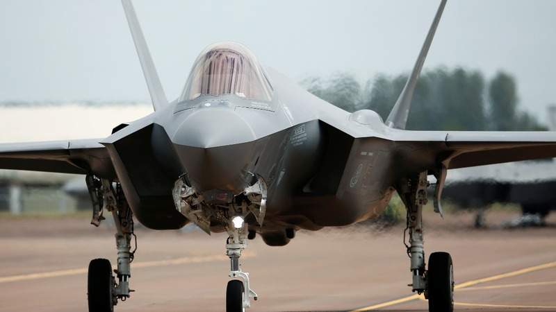 F-35 rules the skies at UK airshow