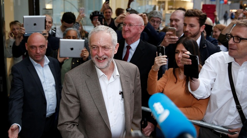 Corbyn wins bid to be on Labour ballot paper