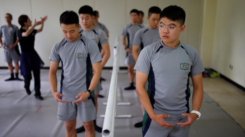 INSIGHT: Korean soldiers strap on ballet shoes
