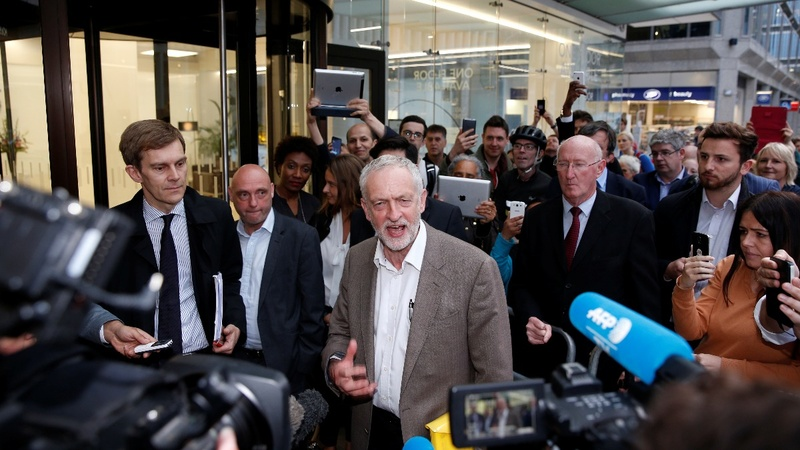 Owen Smith launches Labour leadership bid