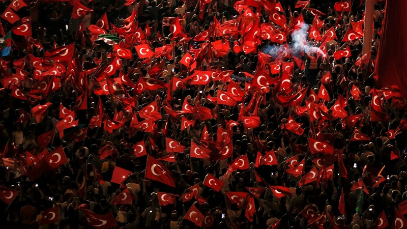 Patriotic upsurge in Turkish flag sales